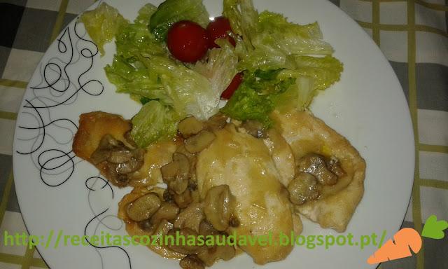 Bifinhos de Frango com Molho de Cogumelos