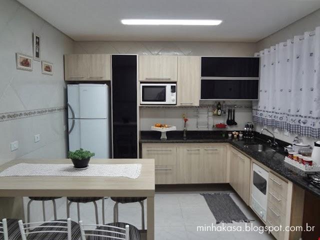 cozinha moderna com vidro preto