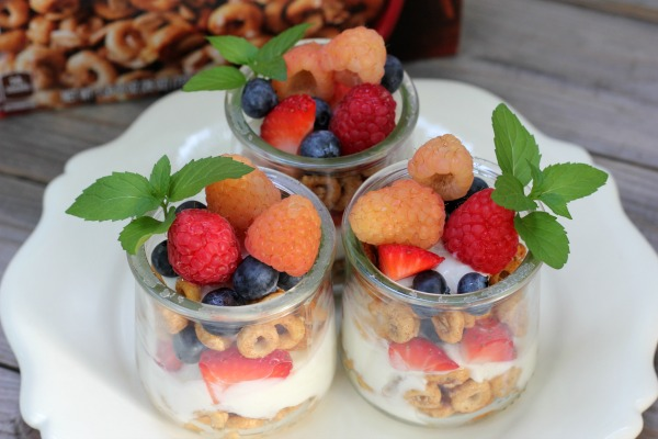 Cheerios Oat Crunch Yogurt Parfaits