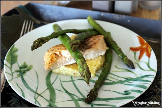 Keskonmangemaman saumon et asperges vertes r ties polenta cr meuse au parmesan - Cuisiner les asperges vertes fraiches ...