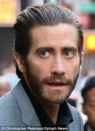 jake gyllenhaal hair style epic styling guide for slicked back hair how to 6468