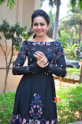 Rakul at Sarrainodu Promotion-thumbnail-7