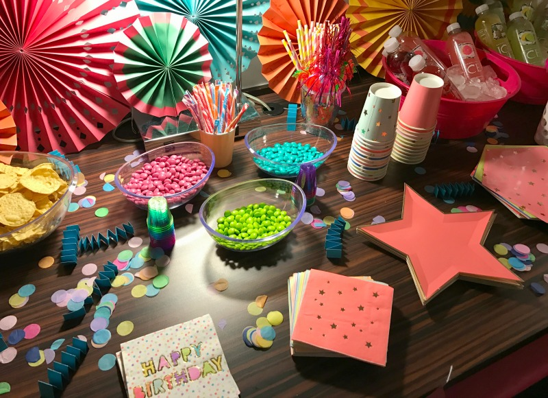 things-to-do-las-vegas-birthday-party-celebrate-how-to-supplies-decor