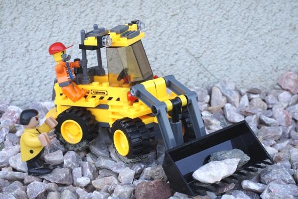 Klocki blocki, koparka, klocki lego, zabawki, dzień dziecka