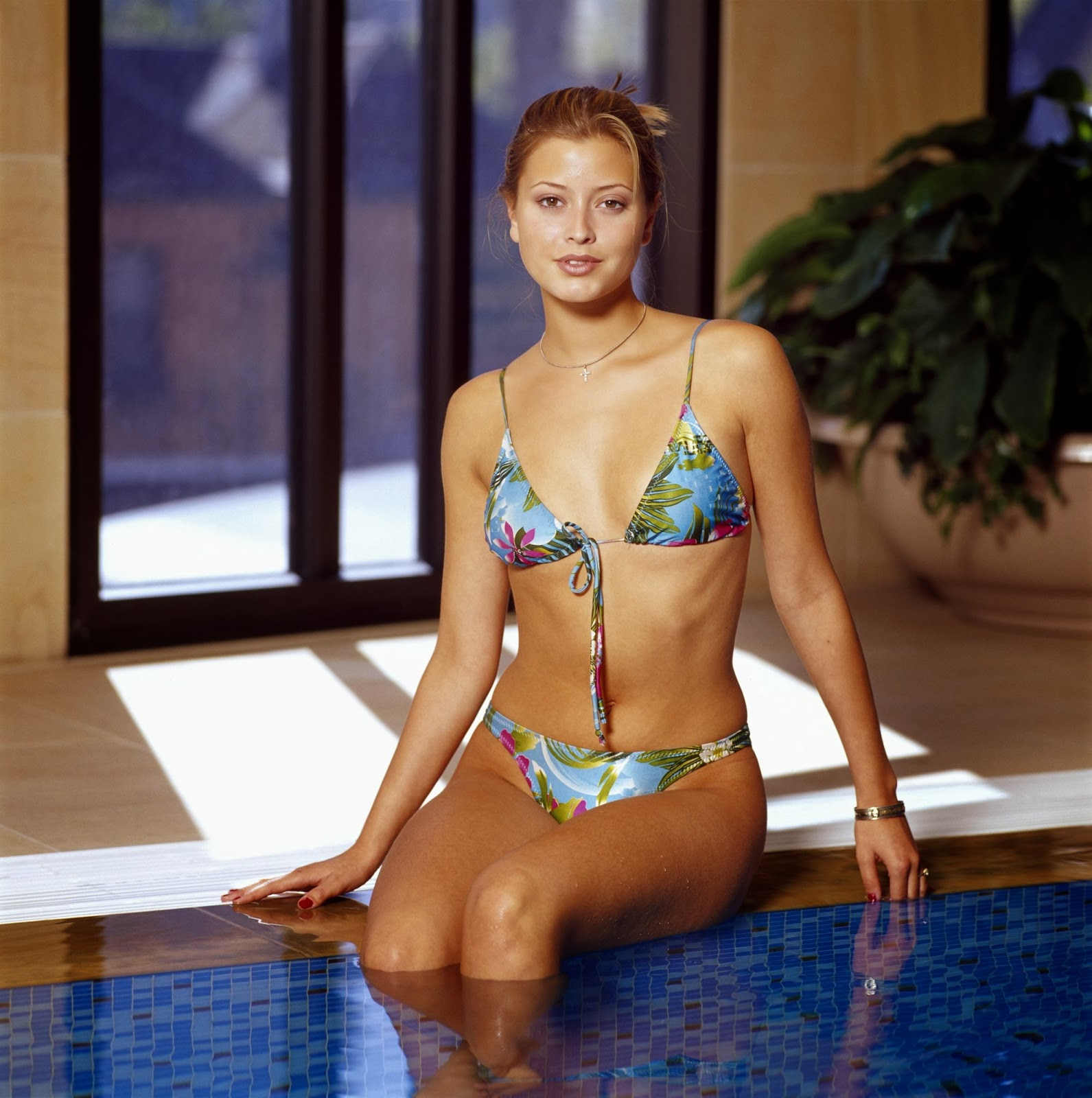 World Celebrities Holly Valance New Hot Bikni Photos