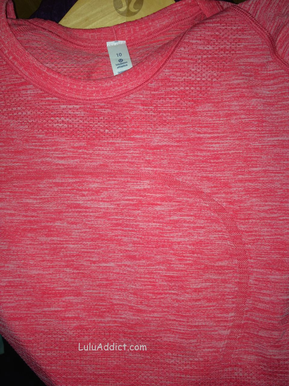 lululemon atomic red swiftly ss fabric