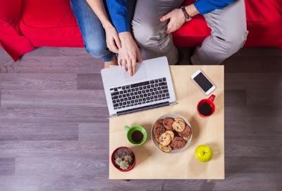 Alasan Cewek Mau Terus Bertahan Meskipun Sering Makan Hati