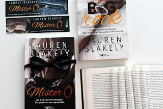 Mister O - Ele é o herói mais desejado. Dar prazer é o seu superpoder. - Lauren Blakely