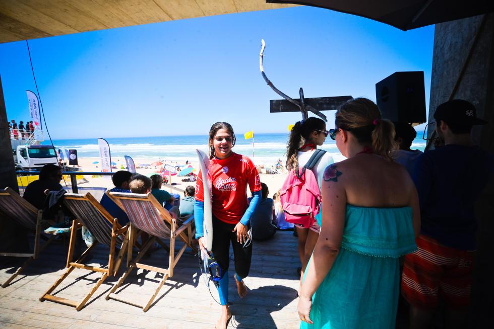 13 Carol Henrique PRT Santa Cruz Pro 2016 foto Laurent Masurel