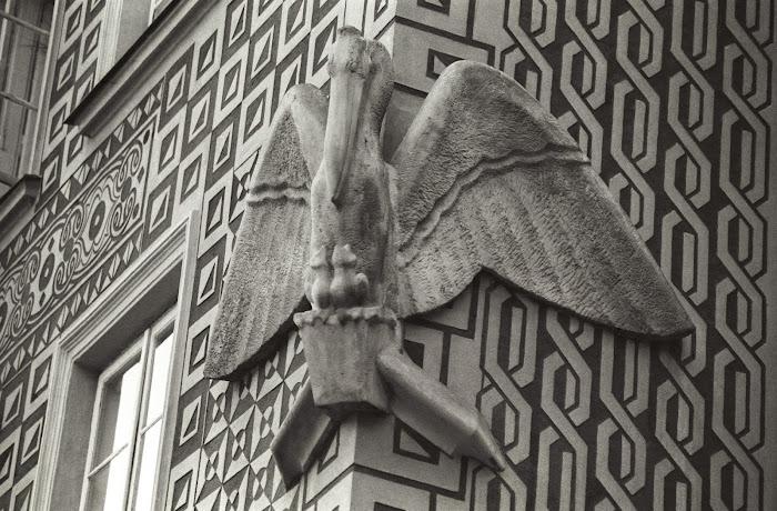 Varsovie, place Zamkowy, rue Piwna, cigogne, © L. Gigout, 1990