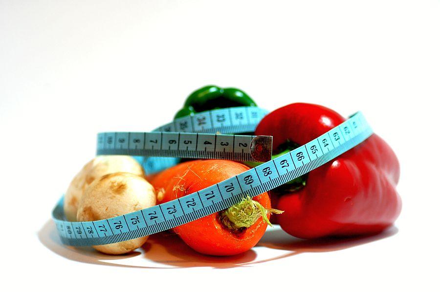 Ile można schudnąć przez 6 miesięcy jedząc mniej ? - sunela.eu -