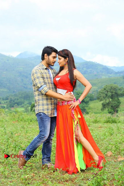 Ram Karthik Bhanu Sri starring Iddari Madhya 18 Movie Stills  0002.jpg