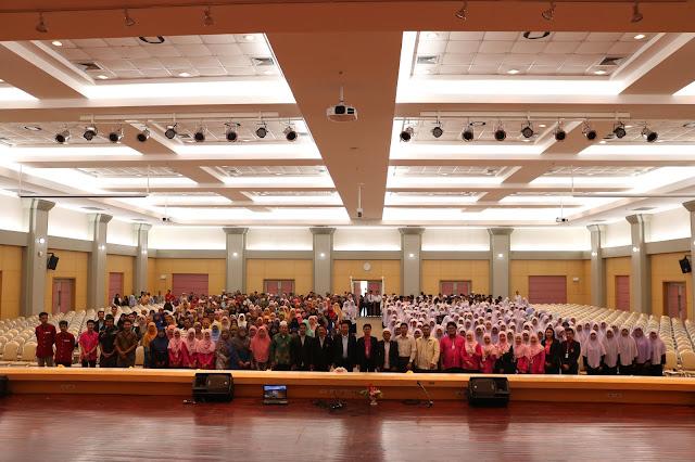 ปฐมนิเทศนักเรียนโครงการห้องเรียนพิเศษ Science Mathematics Program (SMP) รุ่นที่ 4