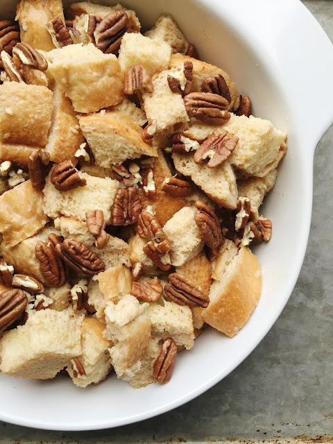 http://www.aglimpseinsideblog.com/2016/12/cinnamon-pecan-bread-pudding.html