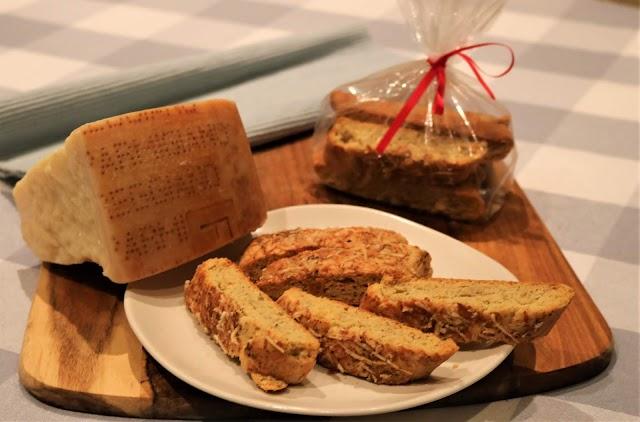 Parmigiano Reggiano & Cracked Pepper Biscotti