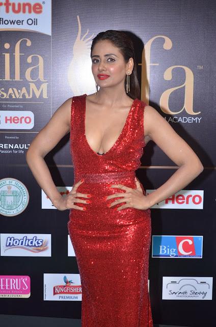 parul yadav hot stills at iifa awards 2017