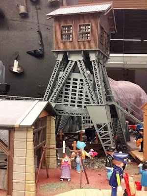 Museo de Evolución Humana, exposición de playmineros