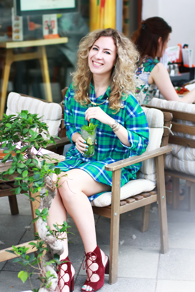 margarita_maslova_ritalifestyle_green_plaid_dress_shirt1