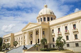 Presidente Danilo Medina promulga ley que designa con nombre de Doctor Artagnan Pérez Méndez, edificio Palacio de Justicia de Moca