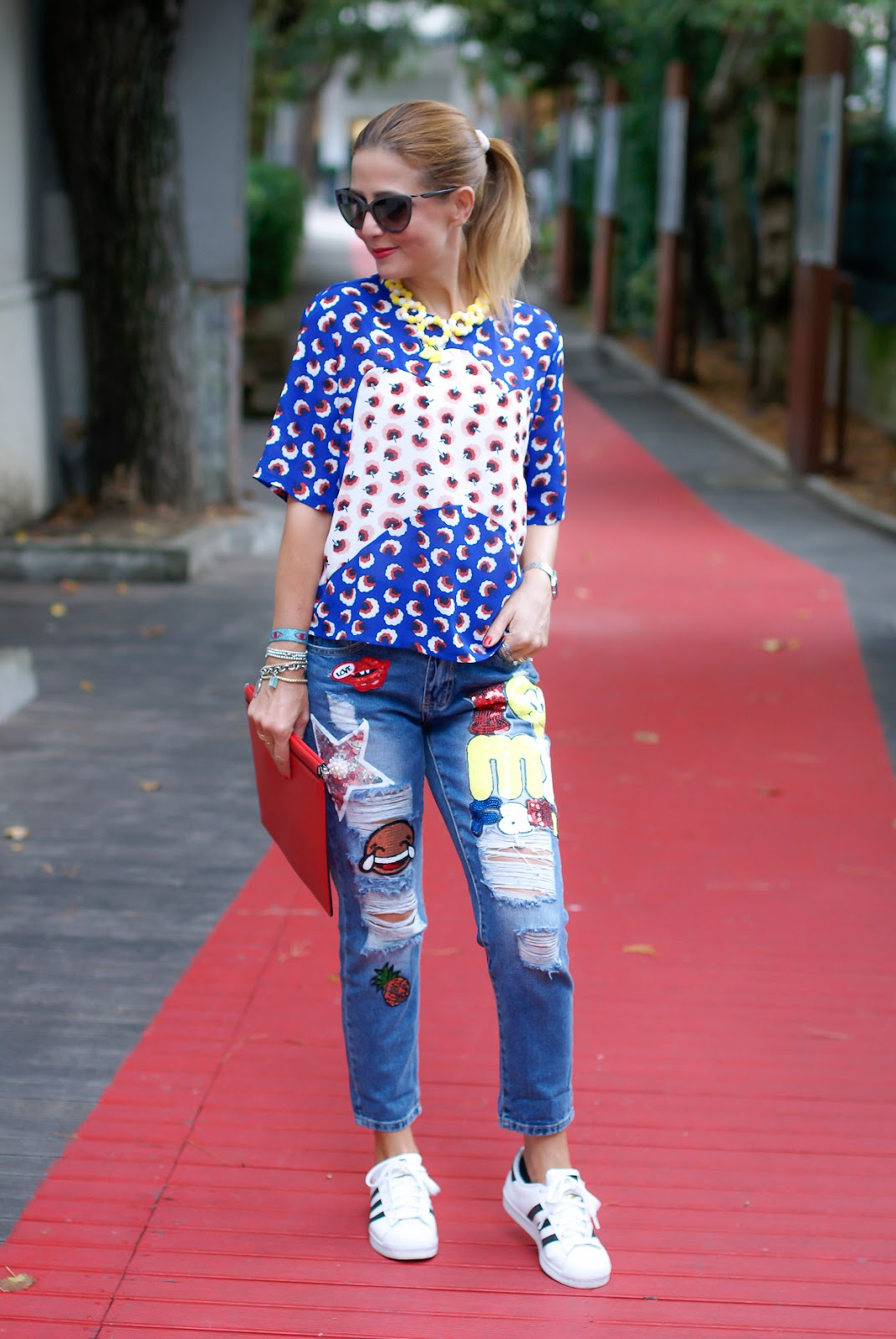 Distressed printed jeans on Fashion and Cookies fashion blog, fashion blogger style