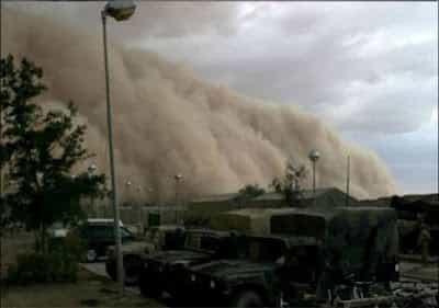 GAMBAR TSUNAMI RIBUT PASIR DI KUWAIT4