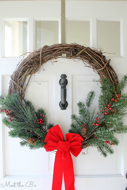 http://www.theinspiredhive.com/2015/12/simple-christmas-wreath.html