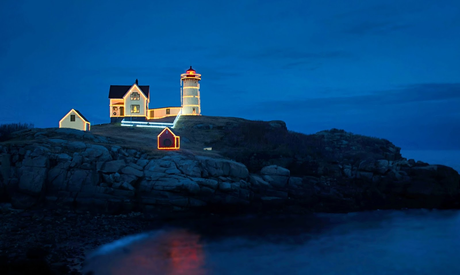 Carol\'s View Of New England: Nubble Light at Christmas York Maine