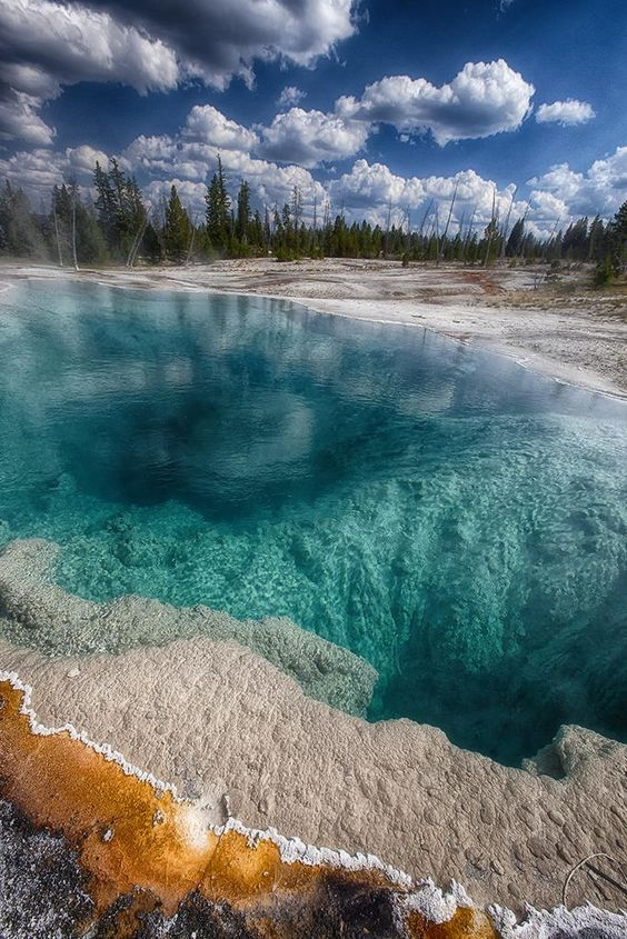 West Thumb Geyser Basin, Yellowstone - Montana