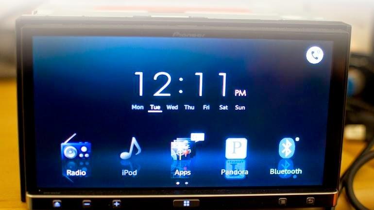 Pilihan lain untuk Pioneer ini adalah versi AppRadio 3 SPH-DA110 yang tidak mendukung DVD drive. AppRadio 3 SPH-DA210 hampir sama persis dengan AppRadio 2
