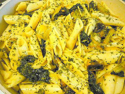 Brza tjestenina s šampinjonima i blitvom za vegane