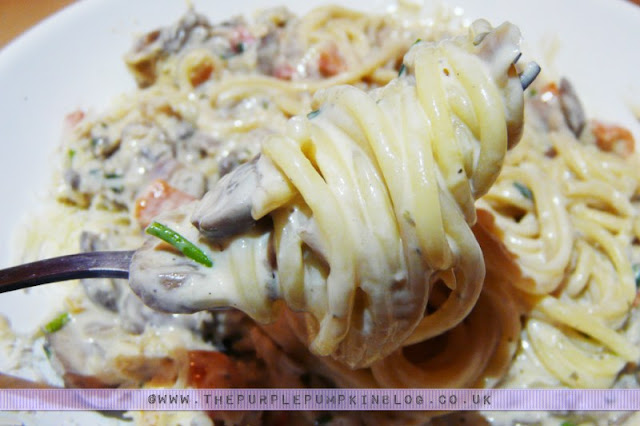 Low Calorie Creamy Mushroom & Bell Pepper Spaghetti Sauce