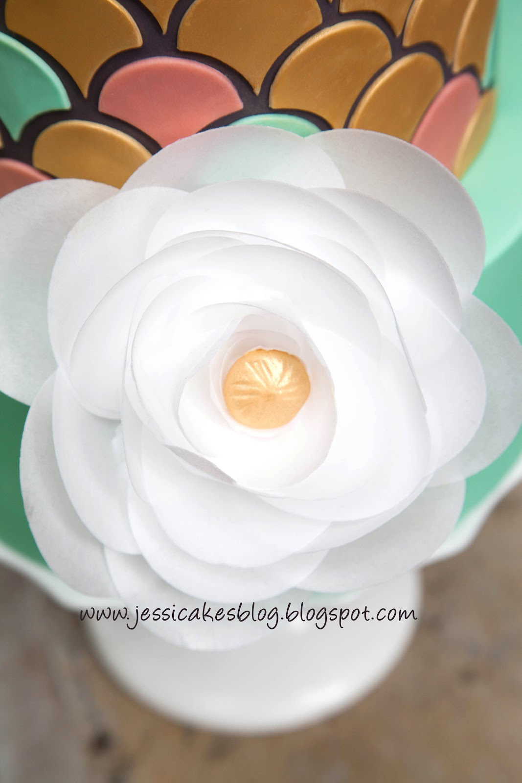 Edible paper flower inspiration jessica harris cake design also i show how to make several edible paper variations of the flower below in my latest craftsy class simply modern cake design mightylinksfo