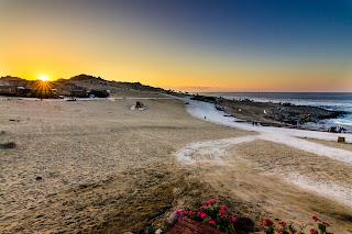 Puesta de Sol sobre Playa La Virgen Bahia Inglesa Copiapo