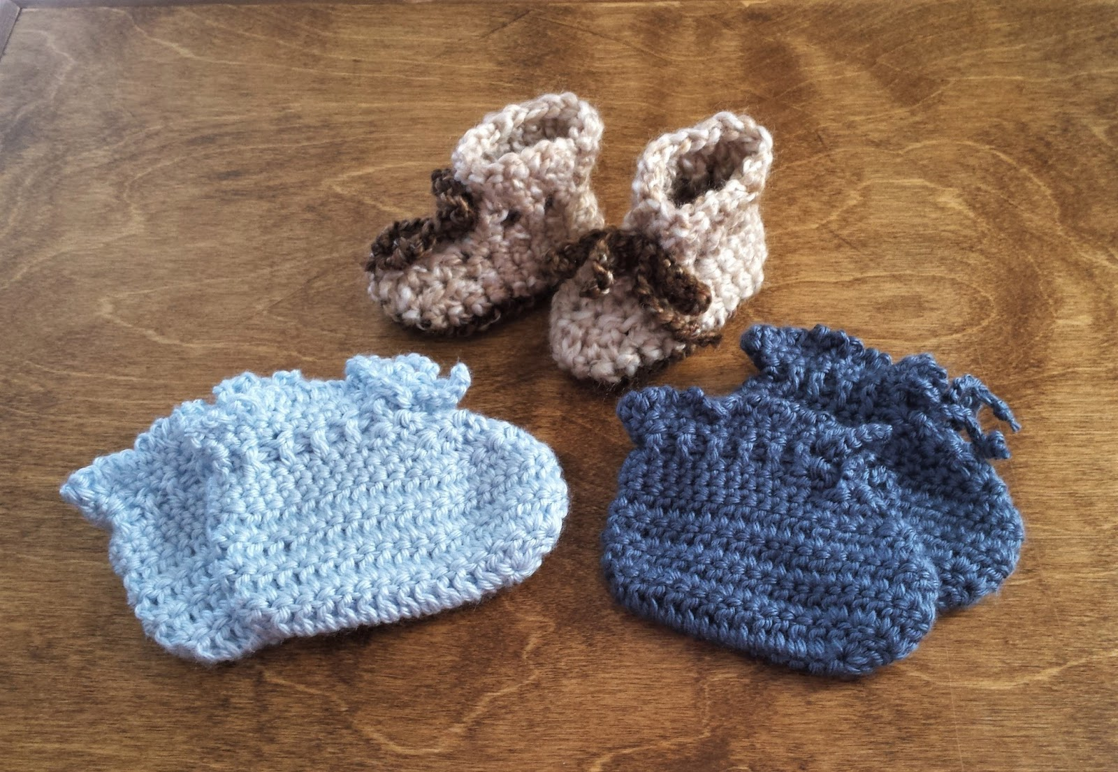 Cranberry Tea Time: Busy Hands: Hats and Shoes