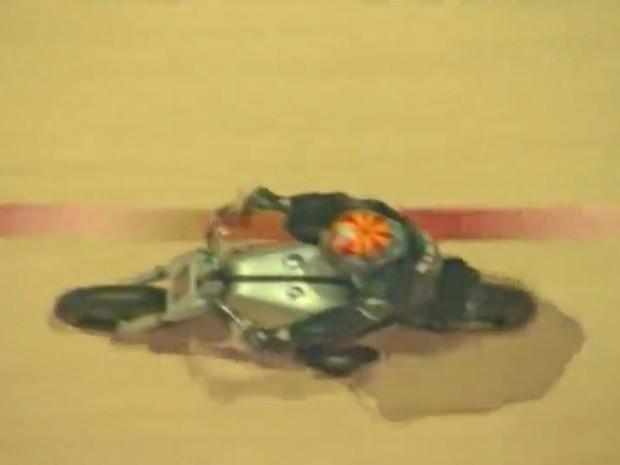 Piloto de motocicletas quebrou recorde de velocidade no muro da morte