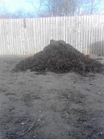 gunoi de grajd descompus pentru mulcirea solului
