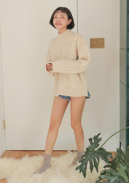 Mix Pattern Turtleneck Sweater