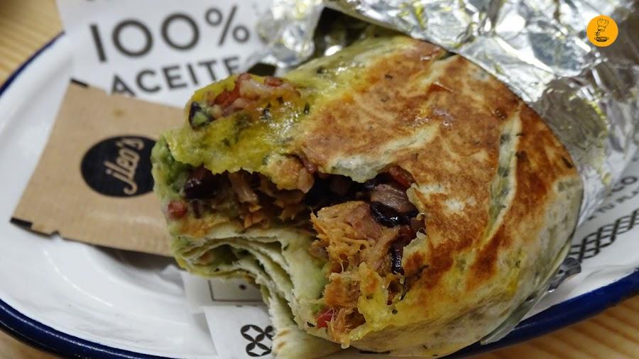 Vista interior burrito Jleo´s, burritos Jleo´s, burrito cerdo de linaje Jleo´s, mejores burritos Madrid