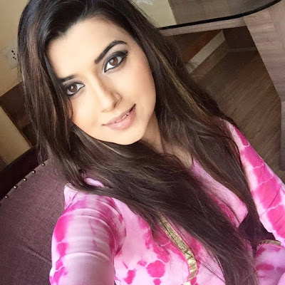 Nimrat Khaira Wiki, Height, Weight, Age, Husband, Family and Biography