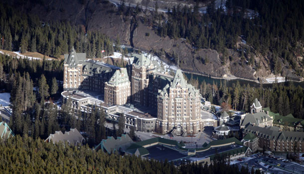 Experience the luxurious Fairmont Banff Springs Hotel and golf resort located in the Rocky Mountains of Banff National Park, Alberta, Canada. Enjoy world-class golf course, Willow Stream Spa, indoor and outdoor heated pools and spectacular location.