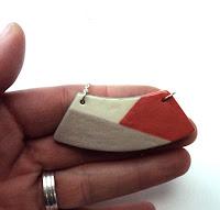 petit collier ovale rouge et rose en céramique nouvelle collection