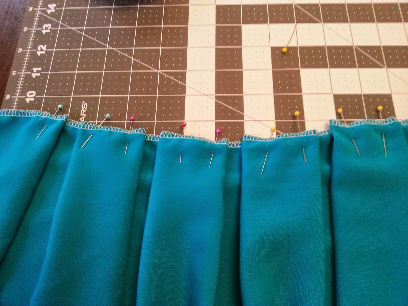 Continue To Create Identical Box Pleats Leaving 1 4 Inch Between Each One Fill Side Of The Skirt With Them Measure When You Are Getting Close