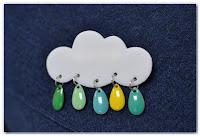 broche nuage et gouttes bleu vert jaune