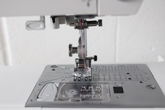 Tilly And The Buttons Five Tips For Threading A Sewing Machine Needle Amazing How To Thread A Needle On A Sewing Machine