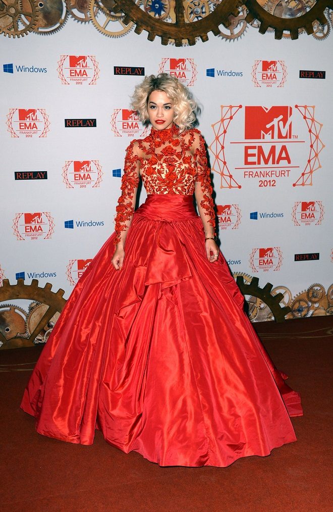 Rita Ora Flaunts A Marchesa Gown At The Mtv Emas 2012