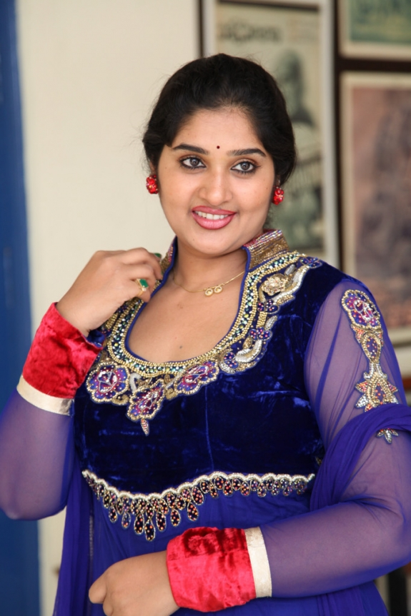 Tollywood Tv Actress Priya Aunty Glamours Images In Blue -8072