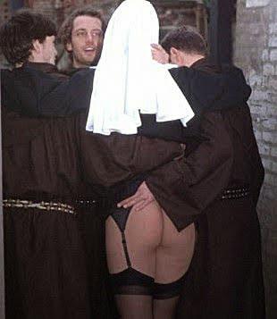 Nonne und Mönche lustig