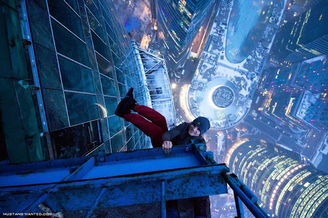 Man skywalking on the Russian skyscraper