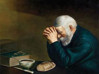 om care se roagă - imagine preluată de pe pinterest.com