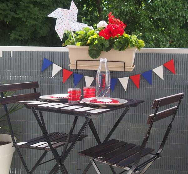 une table pour le 14 juillet avec du diy caro dels. Black Bedroom Furniture Sets. Home Design Ideas